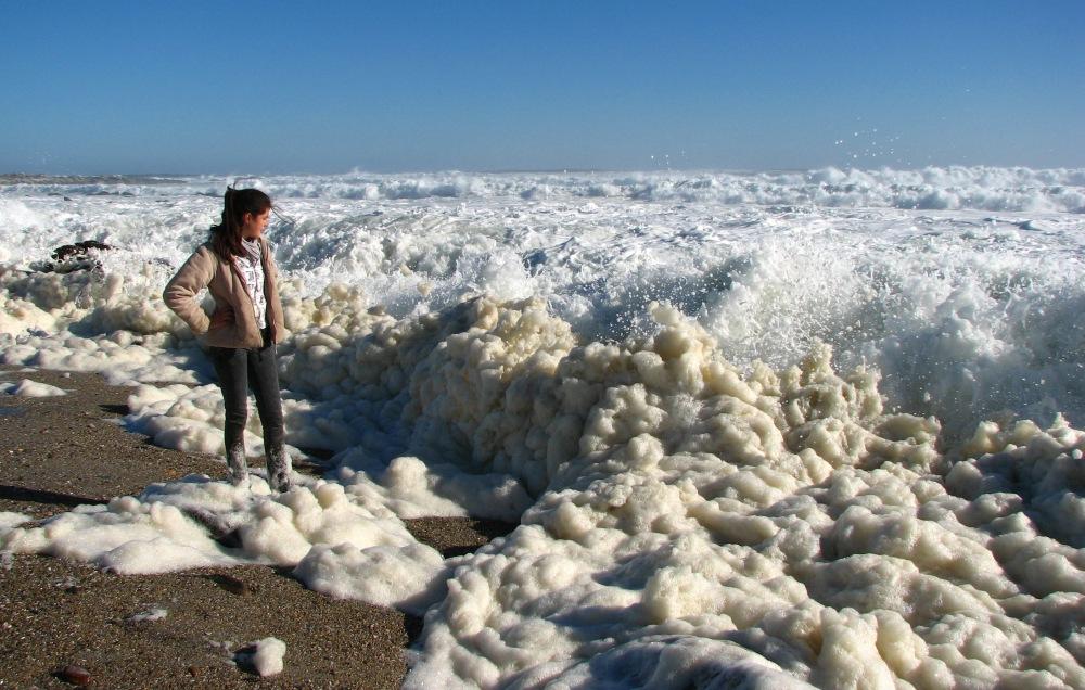 photoblog image foaming, boiling, wild wild seas